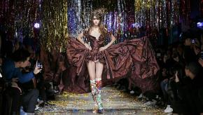 Confira um resumo dos desfiles da temporada inverno 2015/16 da Semana de Moda deParis