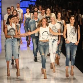 Último desfile: Gisele Bündchen se despede das passarelas e é homenageada por outras tops no São Paulo FashionWeek