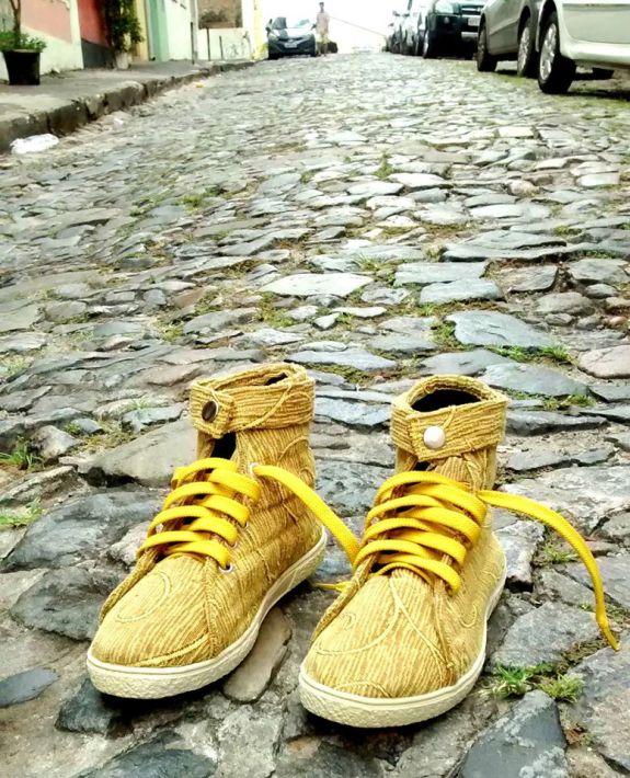 Tênis Amarelo - Produções Criativas