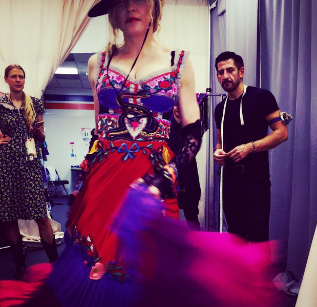 Rebel Heart Tour figurino (2)