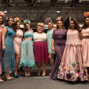 Designer de moda plus-size vence a 14ª temporada de 'ProjectRunway'